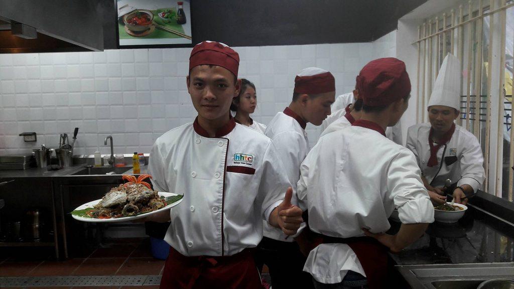 Đầu tư học nghề bếp - xu hướng học nghề hiện nay 30729754 914399965387428 913648644618452992 n