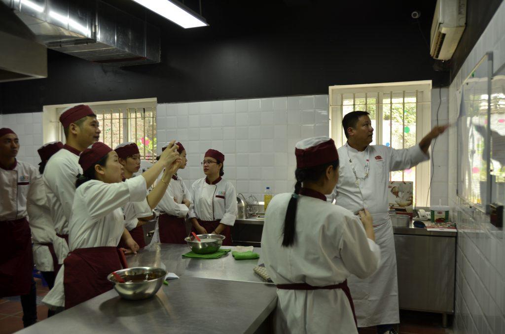 Workshop làm bánh ngọt cùng Rich Products Việt Nam DSC0600