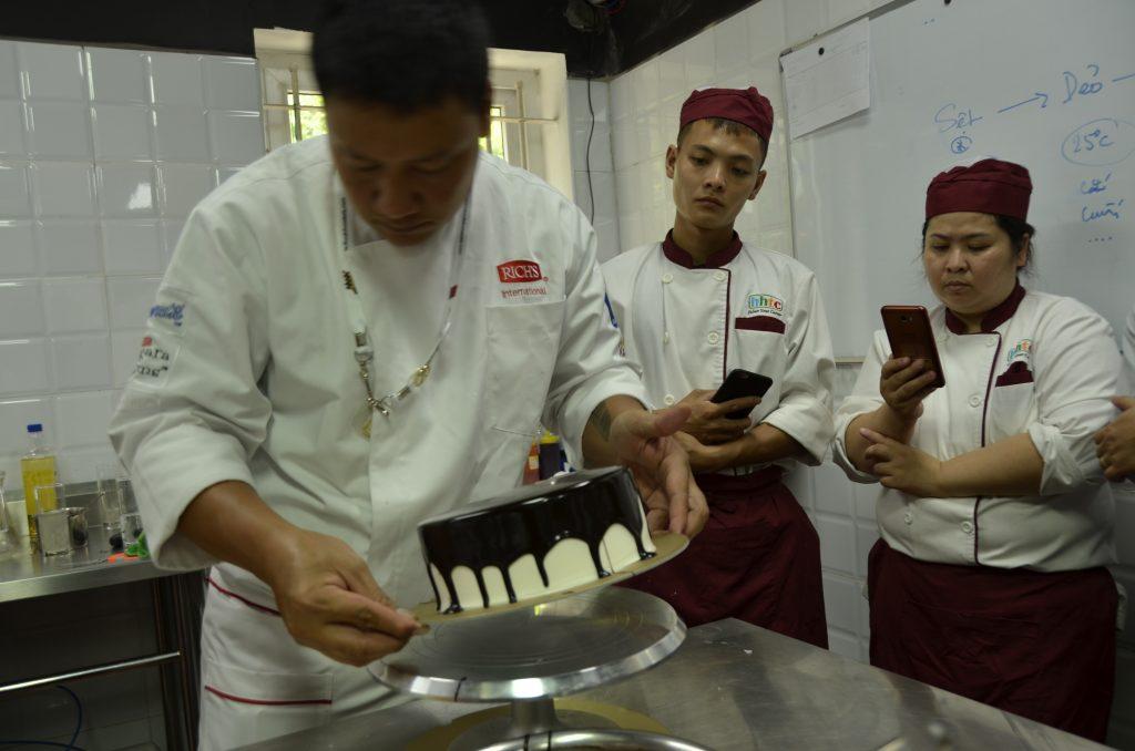 Workshop làm bánh ngọt cùng Rich Products Việt Nam DSC0648