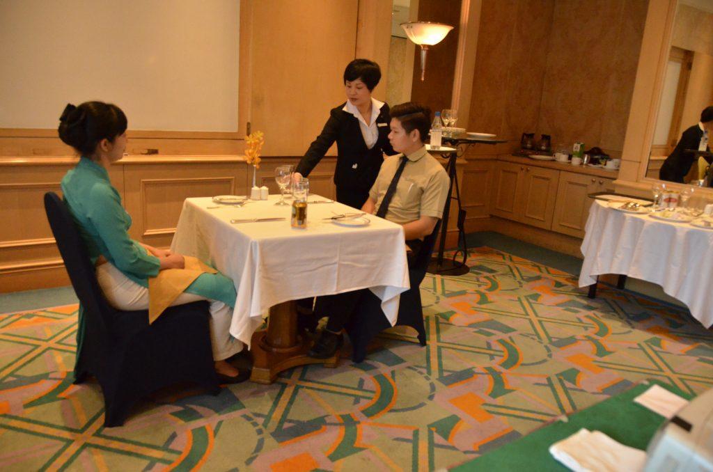 Đào tạo theo yêu cầu doanh nghiệp: Đào tạo nghiệp vụ cho nhân viên Khách sạn Daewoo Hà Nội DSC1142