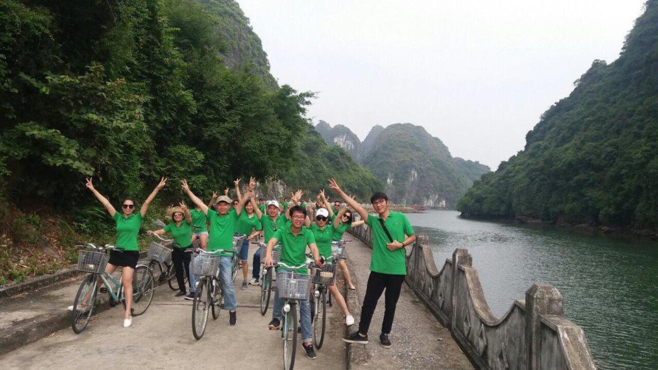 Trường HHTC tổ chức team building cho Cán bộ nhân viên tại Vịnh Lan Hạ - Hải Phòng 44135011 252323778811159 5911814937239355392 n