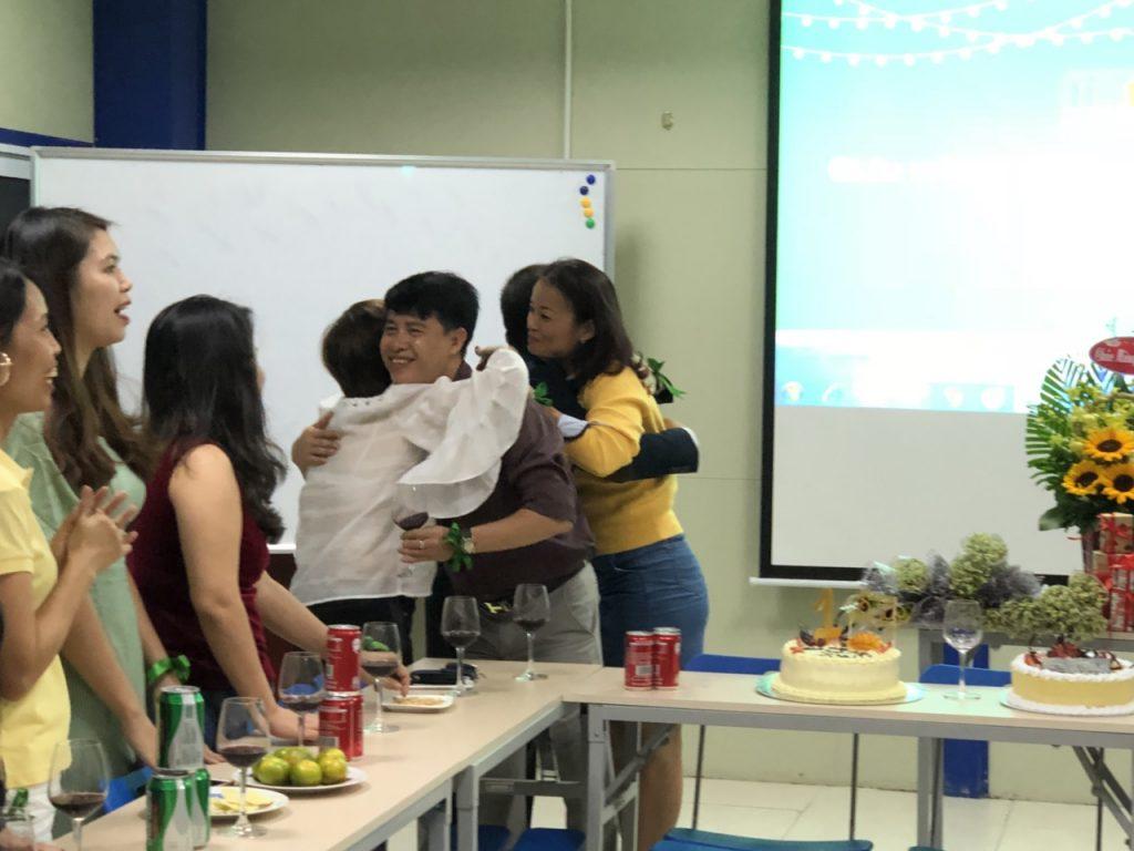 Trường HHTC tổ chức chúc mừng cơ sở mới tròn 1 tuổi và ngày 20/10 z1148904210796 eb15d8ec259f00b0f48ca63c4bb29568