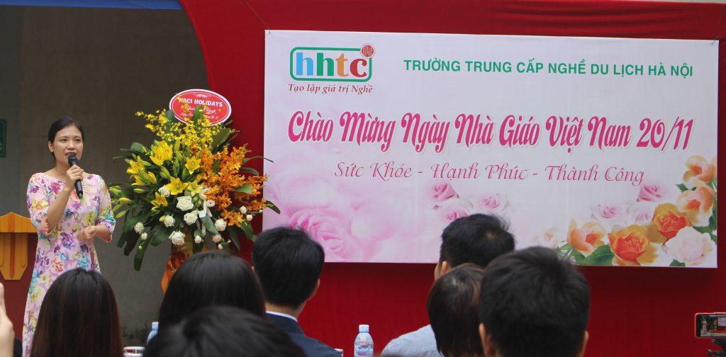 Trường Du lịch Hà Nội: Rộn ràng chào mừng Ngày Nhà Giáo Việt Nam 20/11 IMG 3910