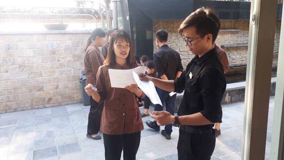 Đào tạo theo yêu cầu doanh nghiệp: Đào tạo nghiệp vụ cho nhân viên Nhà hàng Nắng Sông Hồng z1176430827624 b747c31aea70b120ac778c66927d4321