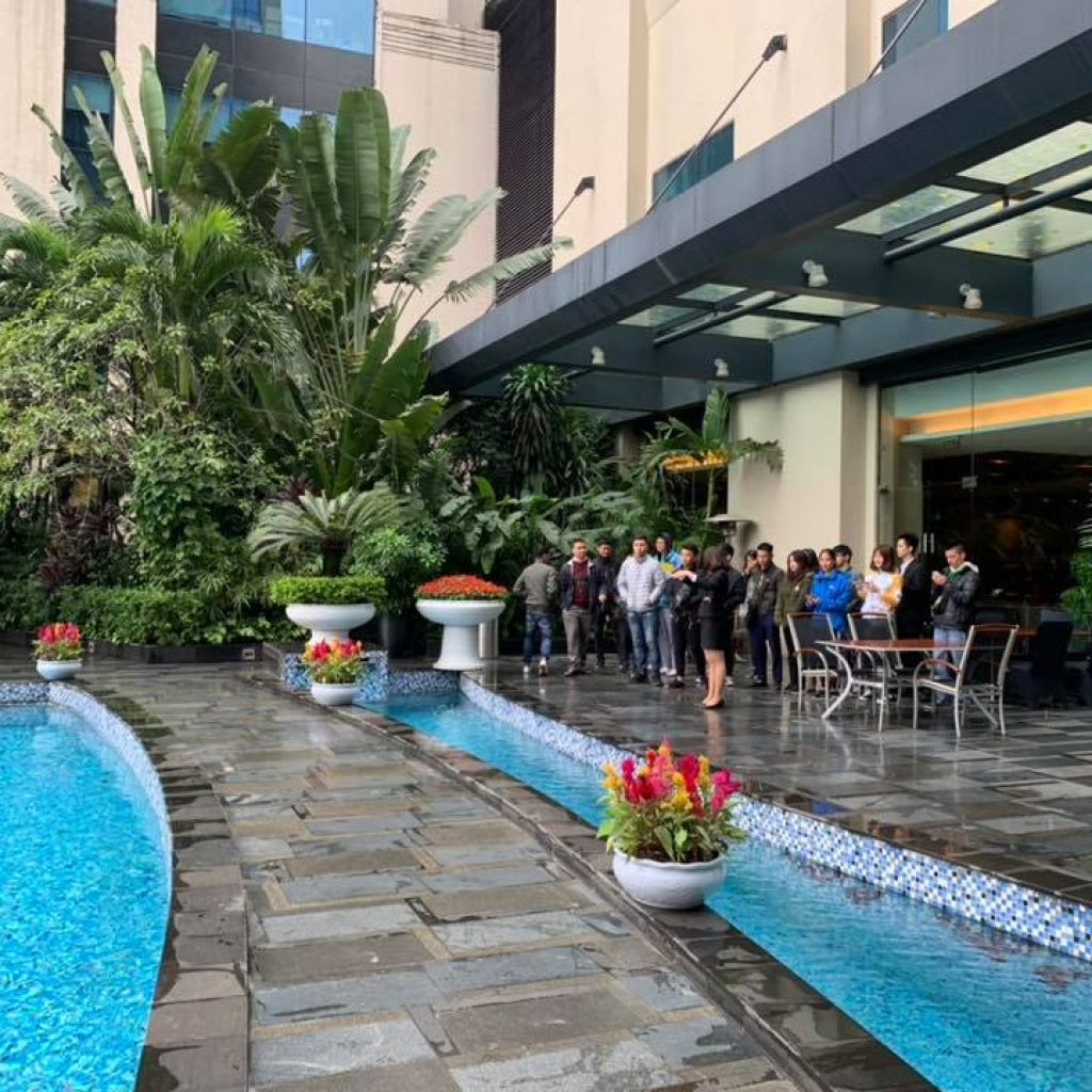 Học viên HHTC thực tế tại Khách sạn Crowne Plaza West Hanoi nh 7 1