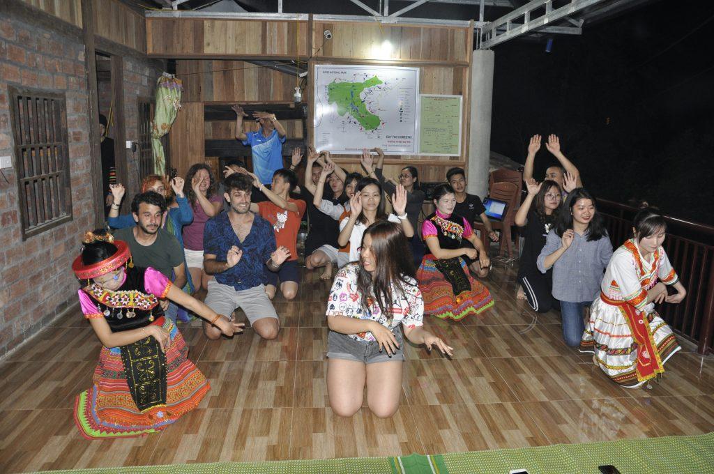 Học viên HHTC: Tự hào hát Quốc ca nơi cực Bắc Việt Nam DSC0085