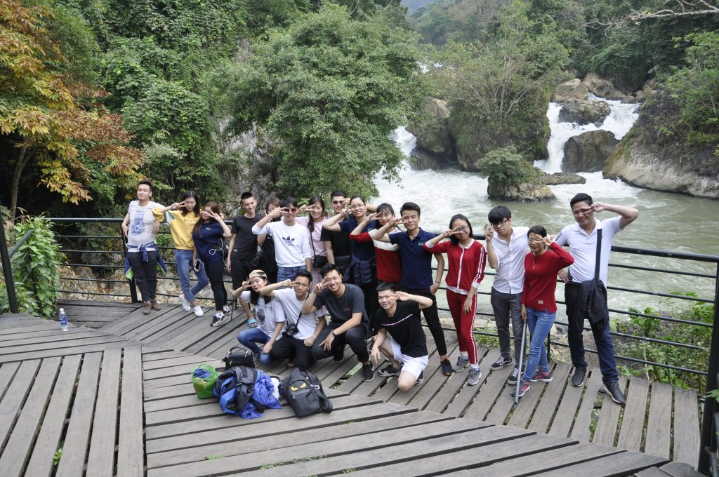 Học viên HHTC: Tự hào hát Quốc ca nơi cực Bắc Việt Nam DSC0164
