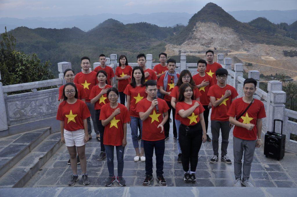Học viên HHTC: Tự hào hát Quốc ca nơi cực Bắc Việt Nam DSC1084