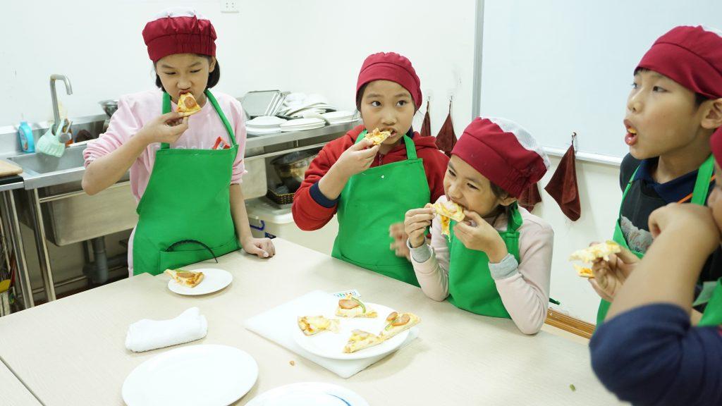 """Một ngày làm """"Đầu Bếp nhí"""" cùng các học sinh trường Tiểu học H.A.S DSC01603"""