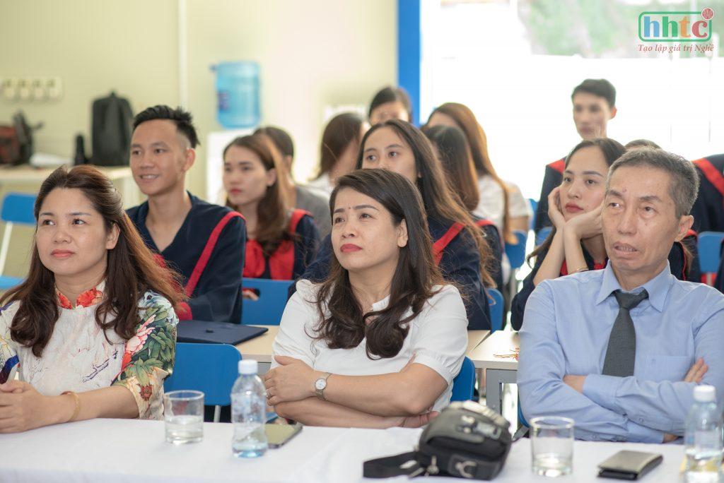 Lễ tốt nghiệp ấm cúng của học viên HHTC niên khóa 2018 - 2019 DSC 0242