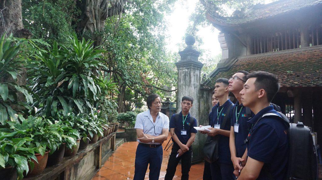 Khám phá Làng cổ Đường Lâm cùng học viên Trường Trung cấp Du lịch Hà Nôi DSC08015