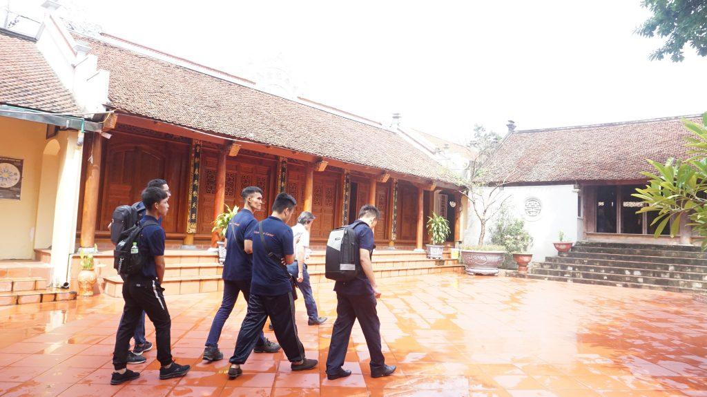 Khám phá Làng cổ Đường Lâm cùng học viên Trường Trung cấp Du lịch Hà Nôi DSC08018