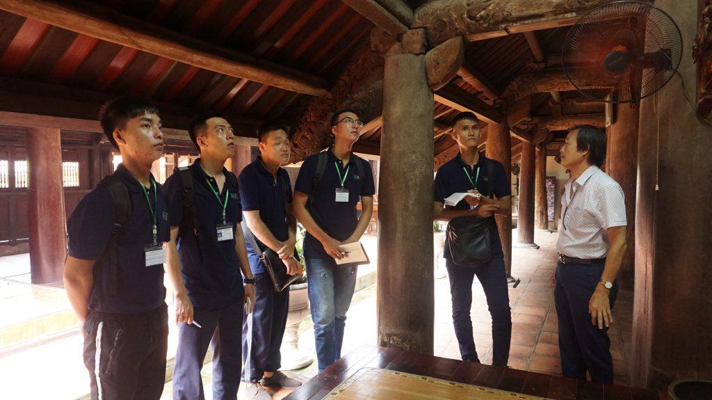 Khám phá Làng cổ Đường Lâm cùng học viên Trường Trung cấp Du lịch Hà Nôi DSC08027