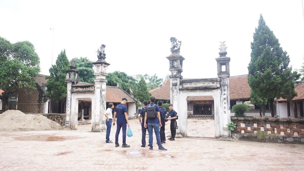 Khám phá Làng cổ Đường Lâm cùng học viên Trường Trung cấp Du lịch Hà Nôi DSC08045