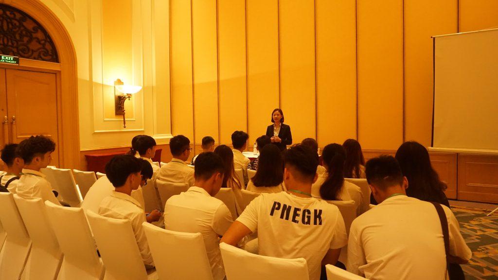 Chuyến tham quan thực tế tại Khách sạn Daewoo, Lotte Hà Nội DSC08088