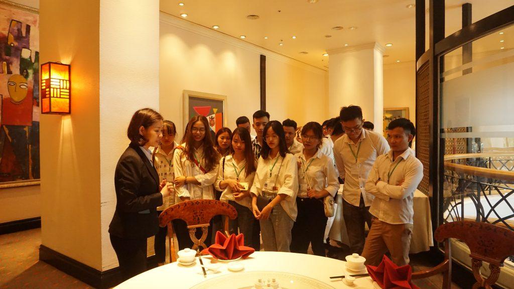 Chuyến tham quan thực tế tại Khách sạn Daewoo, Lotte Hà Nội DSC08106