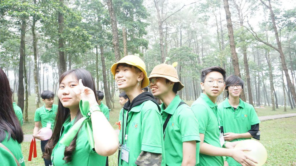 Ngắm hoa Dã Quỳ nở rộ cùng học sinh Trường Trung cấp Du lịch Hà Nội DSC09802