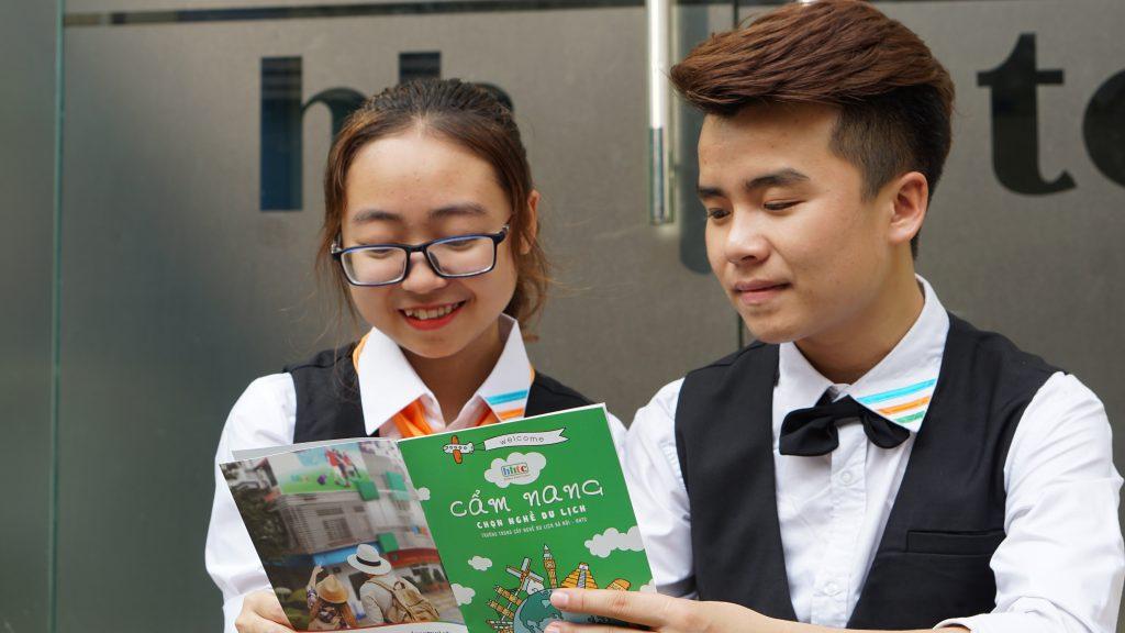 Học trung cấp du lịch: Lựa chọn đúng của các bạn trẻ DSC05007