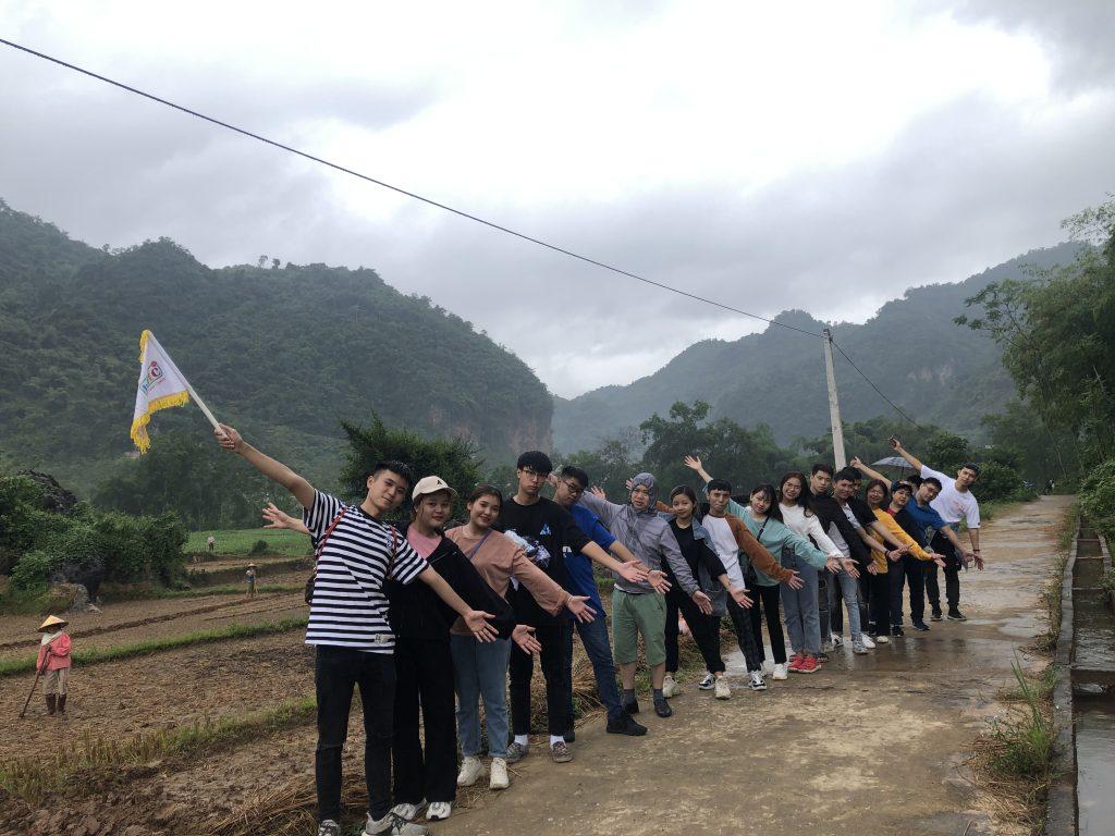 Học viên khoa Lữ hành tham gia chuyến thực tế tại Hòa Bình 20201014 020555263 iOS