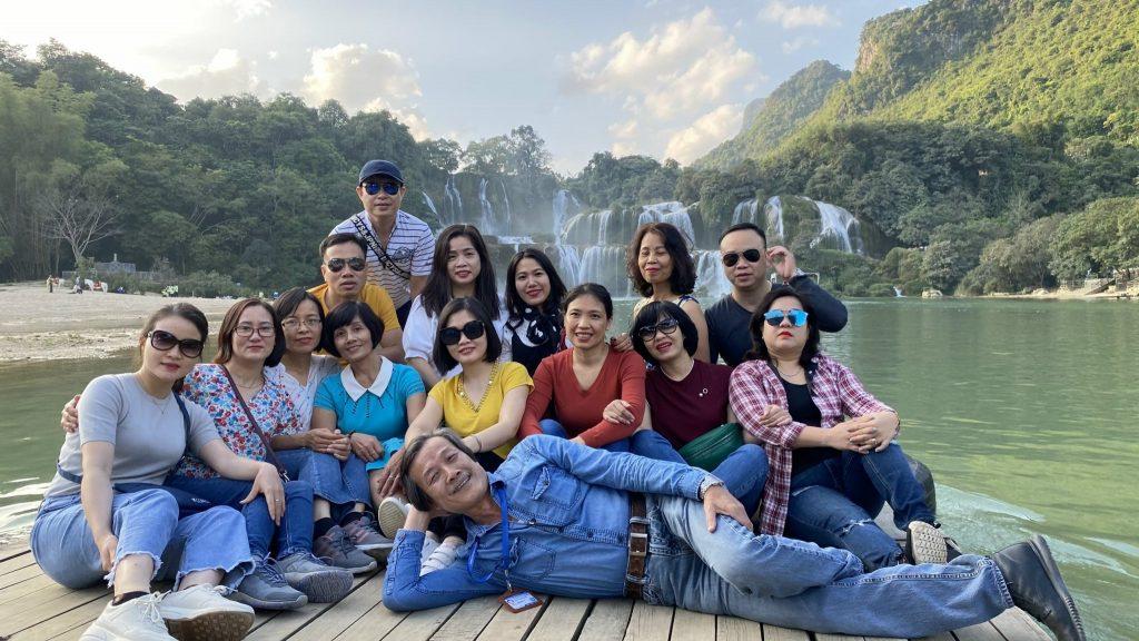 """Hành trình """"Du ngoạn miền non nước"""" tại Cao Bằng, Bắc Kạn của trường Trung cấp Du lịch Hà Nội 20201120 110046611 iOS"""