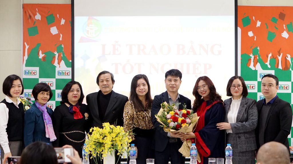 Lễ tốt nghiệp tràn đầy cảm xúc của Trường Trung cấp Du lịch Hà Nội DSC04092