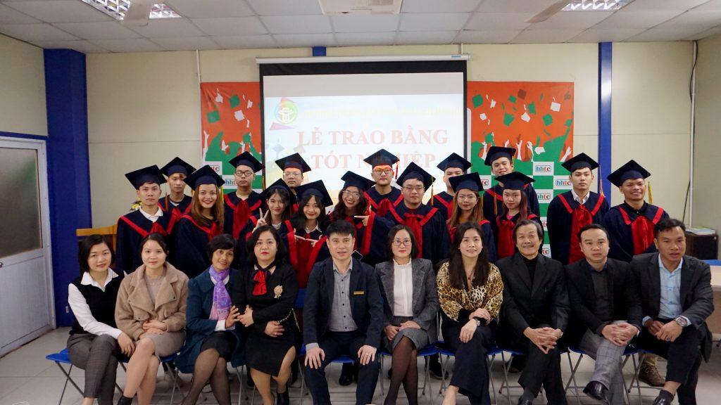 Lễ tốt nghiệp tràn đầy cảm xúc của Trường Trung cấp Du lịch Hà Nội DSC04121