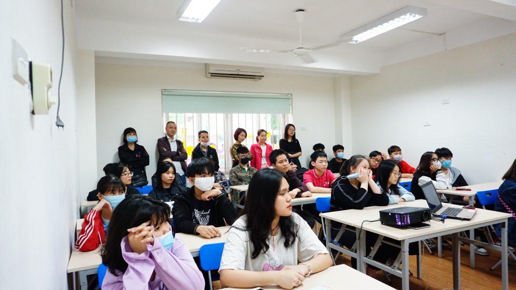 """Sôi động chương trình trải nghiệm """"Một ngày là học viên HHTC"""" DSC07565"""