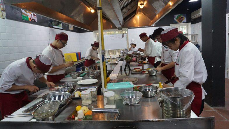 Những bất ngờ về nghề đầu bếp bây giờ bạn mới biết DSC00521 scaled
