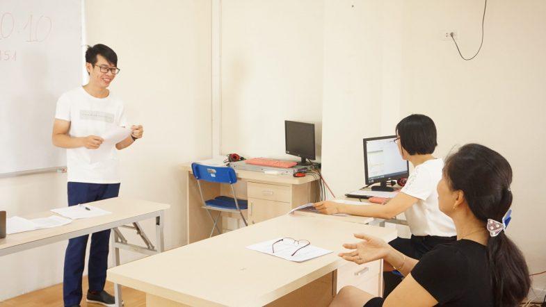 """Những ưu điểm """"5 sao"""" học viên nhận được khi học nghề du lịch ở HHTC DSC08732 scaled"""