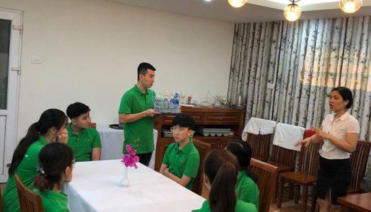 Học Nghiệp vụ nhà hàng chuyên nghiệp cùng học viên HHTC